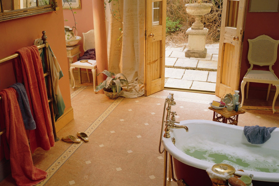 Linoleum bathroom flooring eco friendly linoleum for Lino flooring for bathrooms