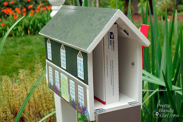 Handy Homeowner Builds Mailbox To Resemble Her House