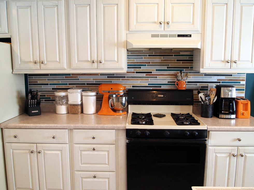 Faux tile backsplash - it's all paint