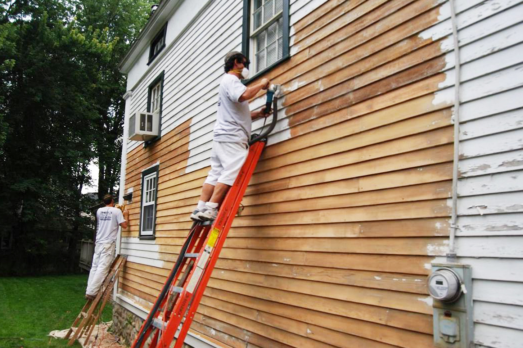 Exterior paint tips exterior painting pointers houselogic - How to clean house exterior before painting ...