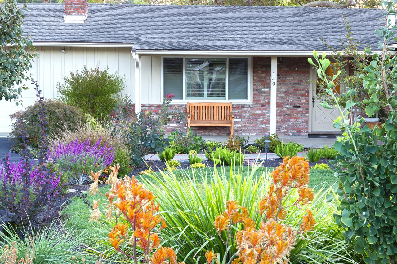 Front Yard Ideas: Simple DIY Front Yard Landscaping Ideas on Simple Backyard Landscaping Ideas id=70996