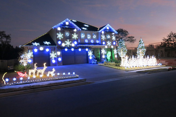 gangnam style christmas light shows popping up all over