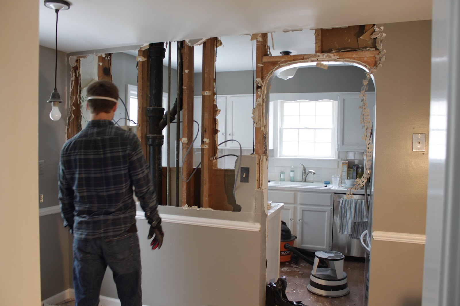 how a general contractor works | houselogic tips to hire a contractor