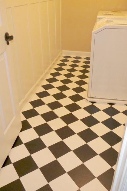 White and black checkerboard floor