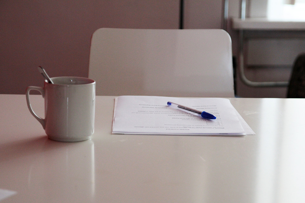 Signing a home contractor contract