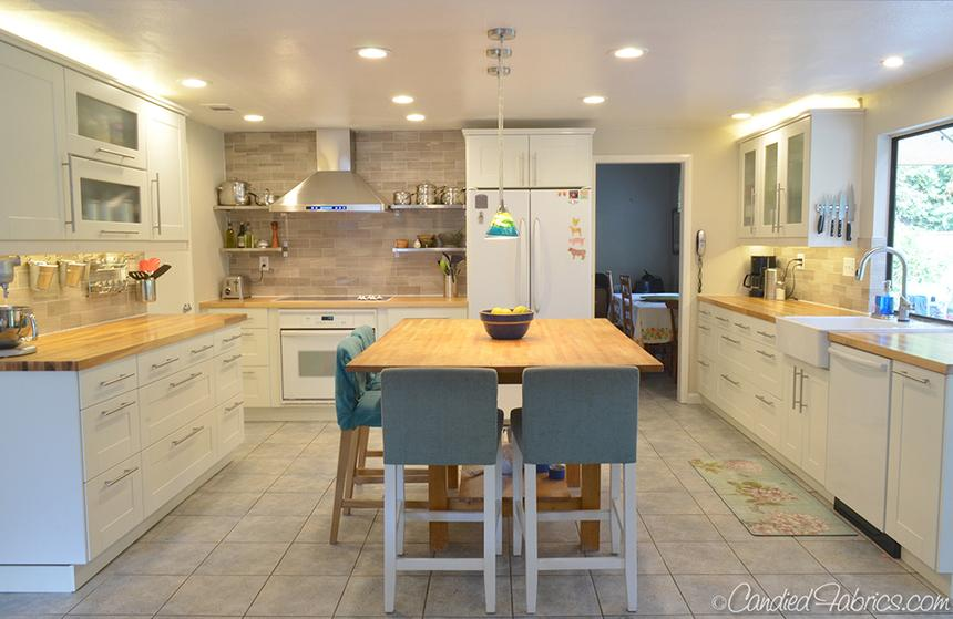 over cabinet lighting in a home kitchen