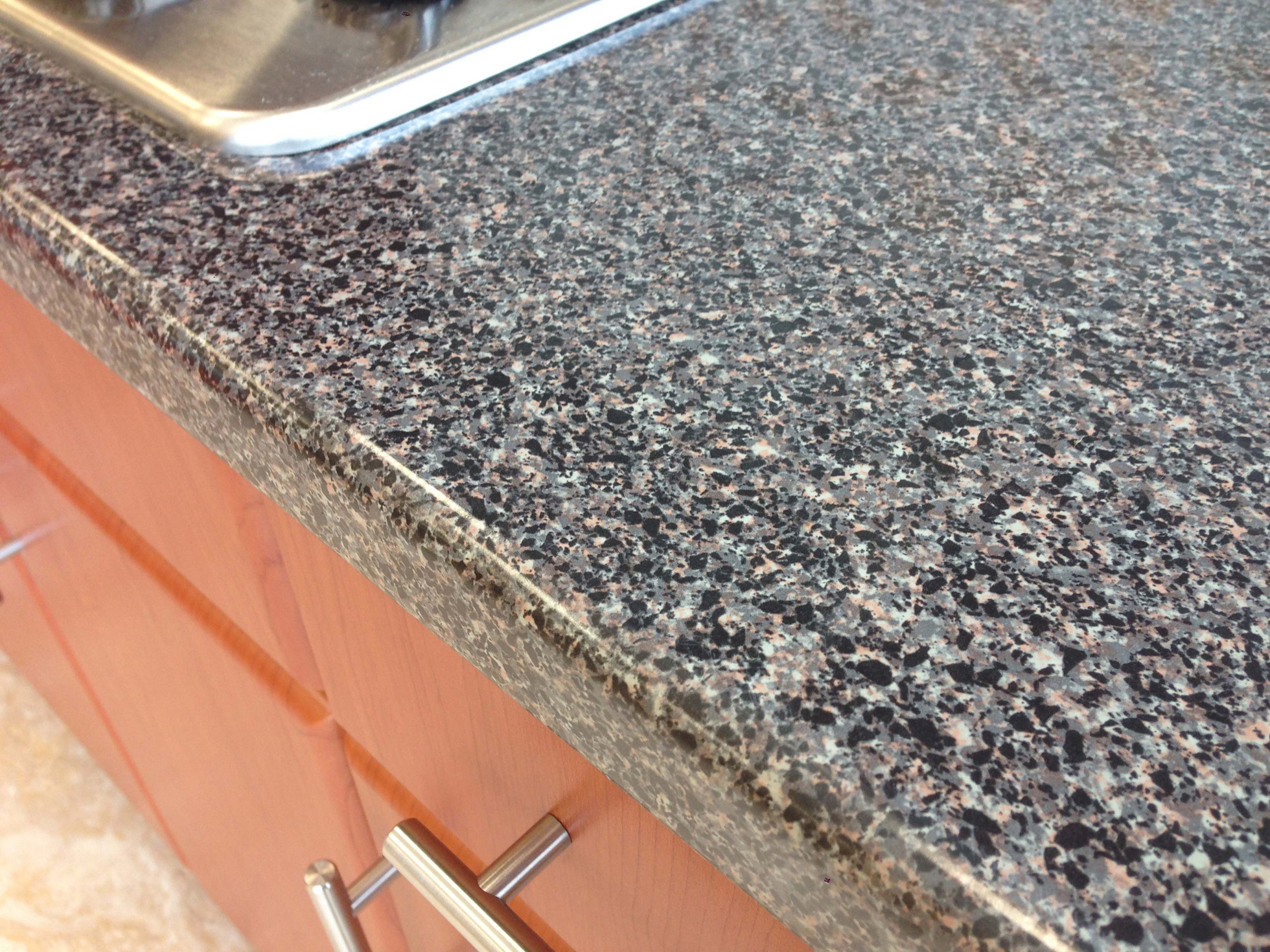 Granite-look laminate kitchen counter