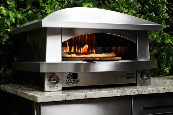 Outdoor appliance buying guide what are good outdoor for Four pizza exterieur