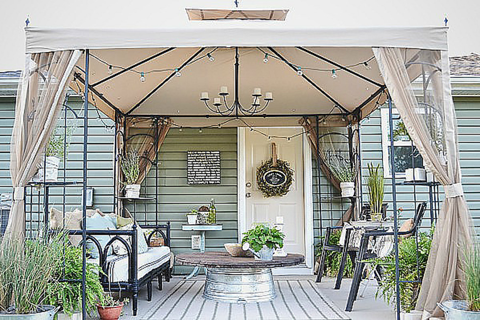 Removable canopy over a home's deck