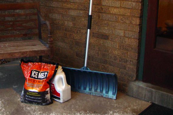 Salt And Ice How Does Salt Melt Ice Tips For Deicing