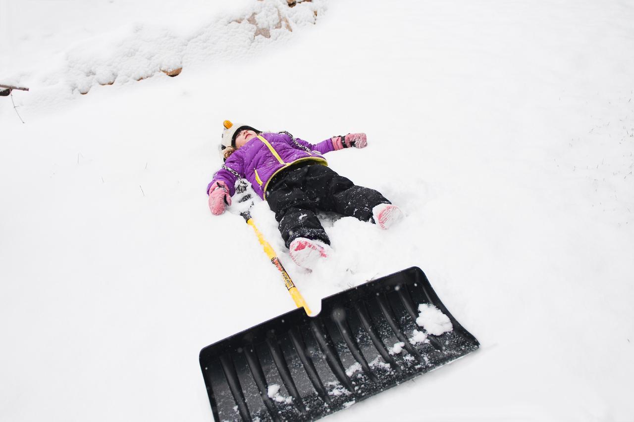 Shoveling Snow Snow Shoveling Safety Houselogic Snow Hacks