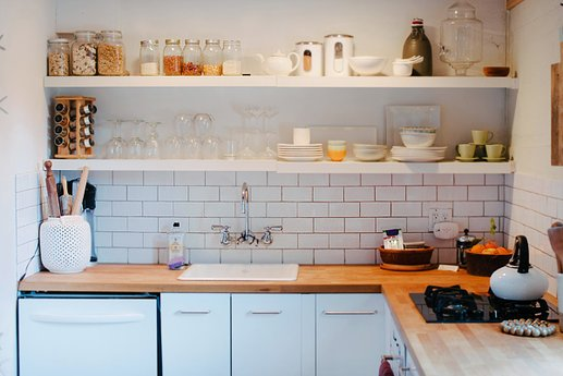 Open shelving in a kitchen | Kitchen Layout Ideas