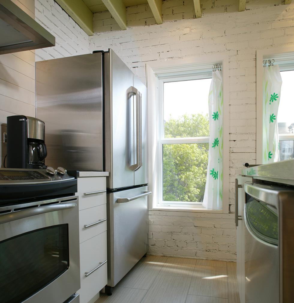 Refrigerator pan