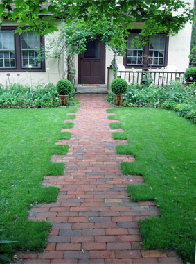 7 walkway ideas to pump up your curb appealedgy thinking - Sidewalk Design Ideas