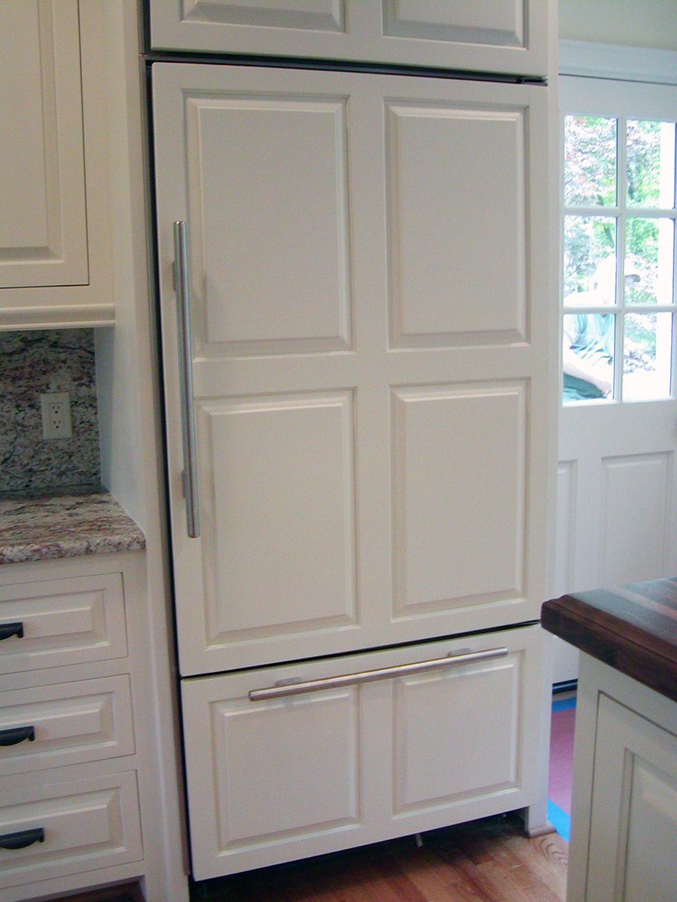 White Kitchen Appliances With Wood Cabinets why white kitchens stand the test of time | houselogic kitchen tips