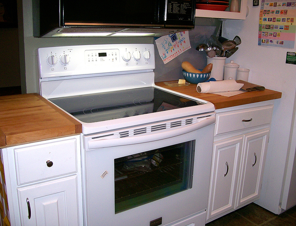 Why white kitchens stand the test of time houselogic for Kitchen designs with white appliances